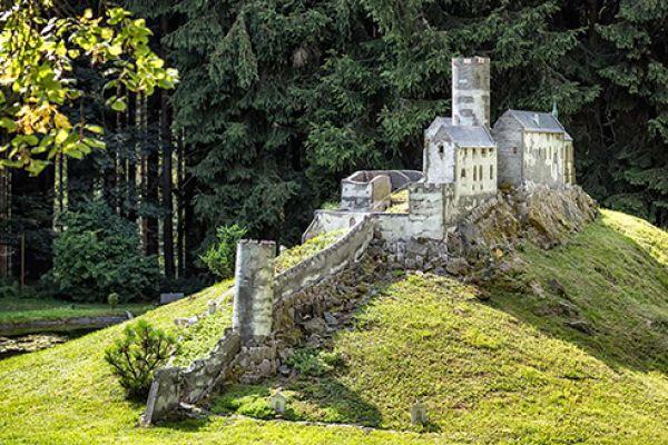 hrad-bezdez-0195E0E89C-68B4-E031-1265-C1E261D6C591.jpg
